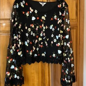 Clemin Embroidered Floral Top